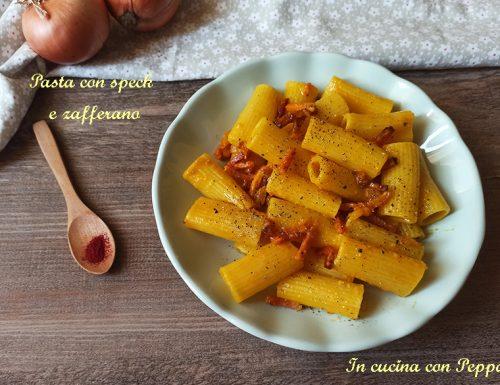 Pasta speck e zafferano, ricetta veloce e gustosa