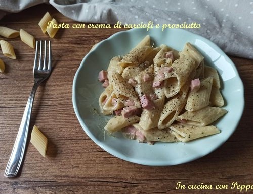 Pasta con crema di carciofi e prosciutto