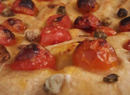 Focaccia semi-integrale con pomodorini