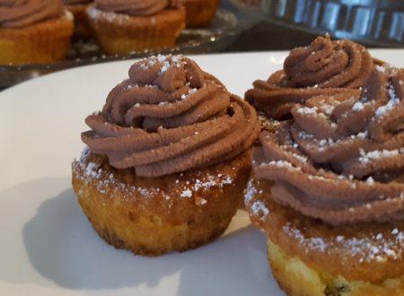 Cupcake alla panna montata con cuore di nutella e frosting al mascarpone