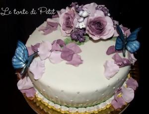 farfalle e rose in pasta di zucchero