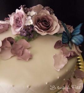 torta in pasta di zucchero, rose in pasta di zucchero, fiori col ferretto