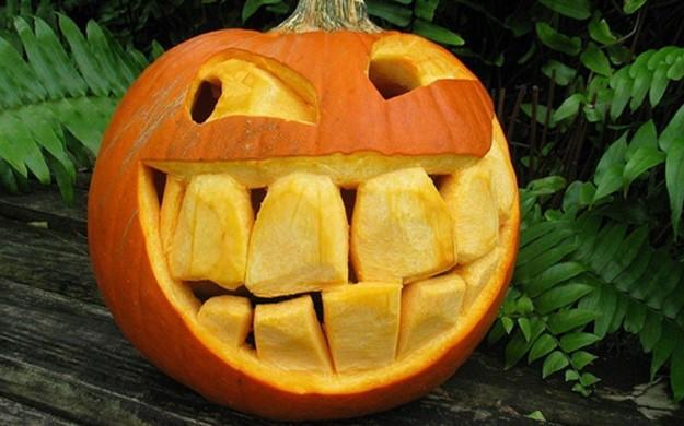 zucca-di-halloween-con-denti-grandissimi a8decd92b01f