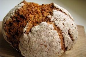 Pane  integrale irlandese o soda bread, ricetta tradizionale