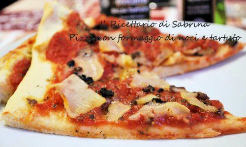 Pizza con formaggio vegan di noci e tartufo