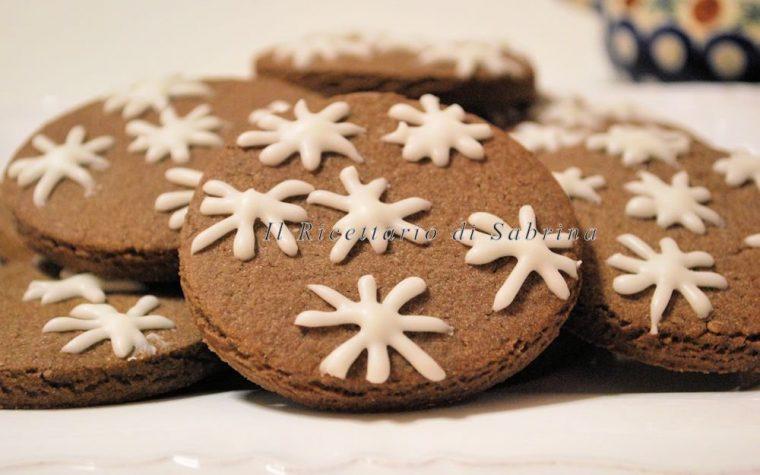 Biscotti al cioccolato e nocciole senza lattosio