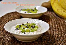 Coppe alla frutta con panna di cocco