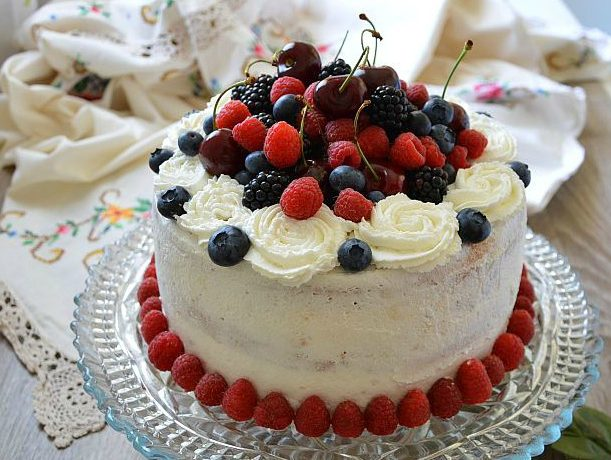 La mia prima torta nuda senza lattosio o naked cake lactose free
