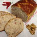 treccia di pane con noci e pancetta