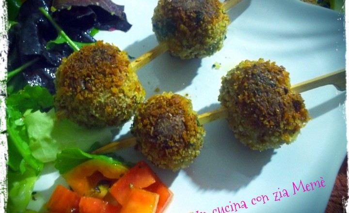 Spiedini di polpette al curry