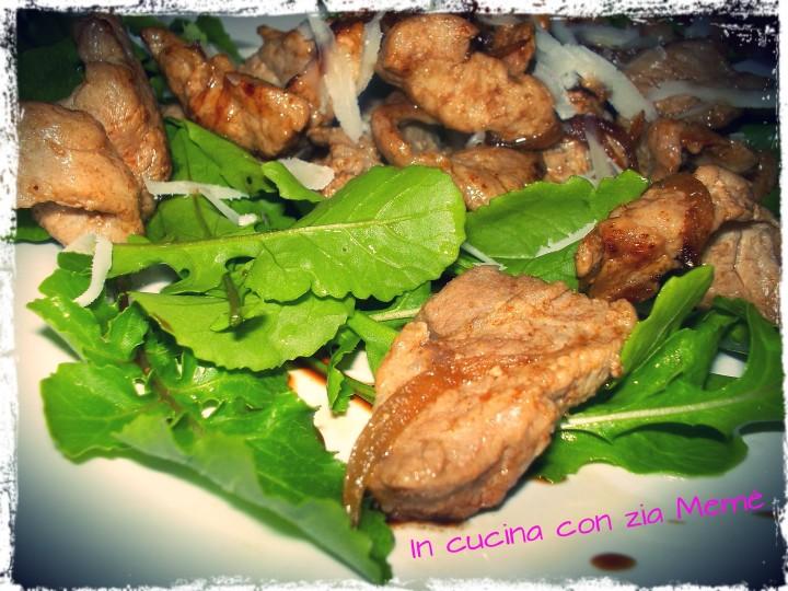 0bocconcini di carne all'aceto balsamico e rucola