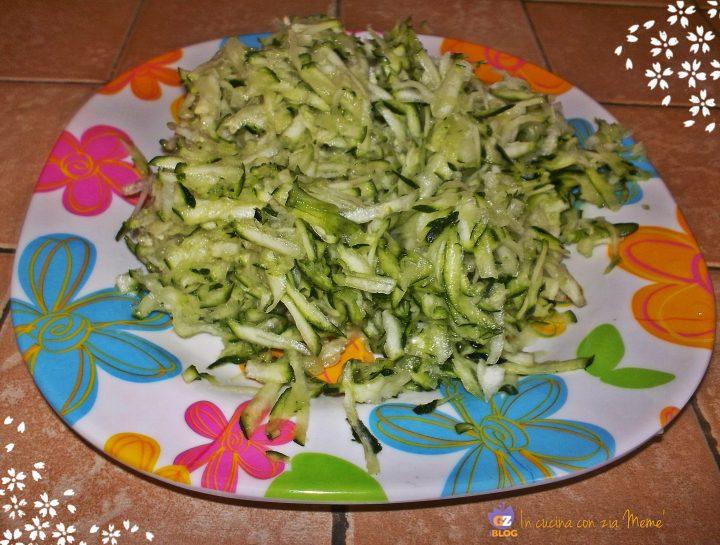 Pasta zucchine e curcuma In cucina con zia Memè