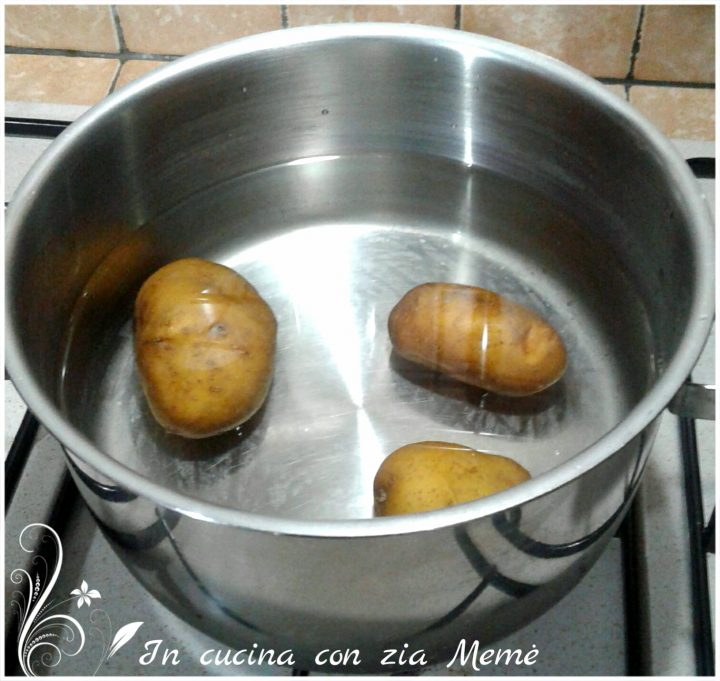 Medaglioni di patate e tonno in cucina con zia Memè