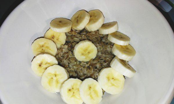 Porridge di avena – colazione alternativa