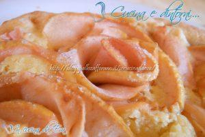 Torta romantica con rose di mele