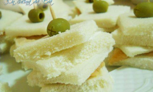 Torrette di mini sandwich