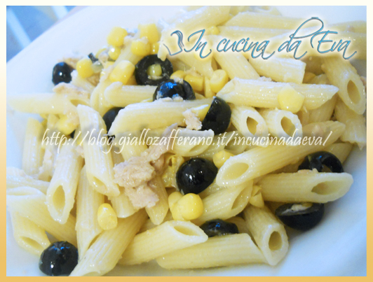 Penne tonno mais ed olive nere