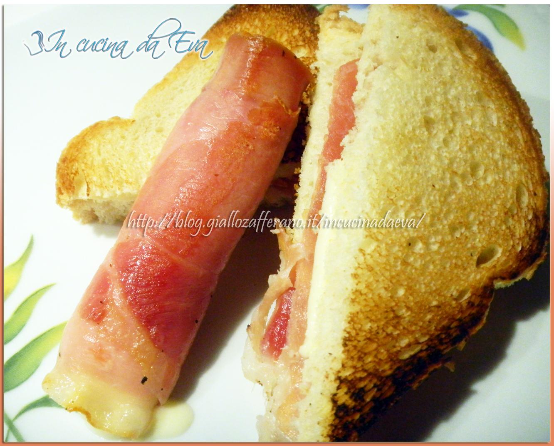 Toast di prosciutto alla piastra e rotolino