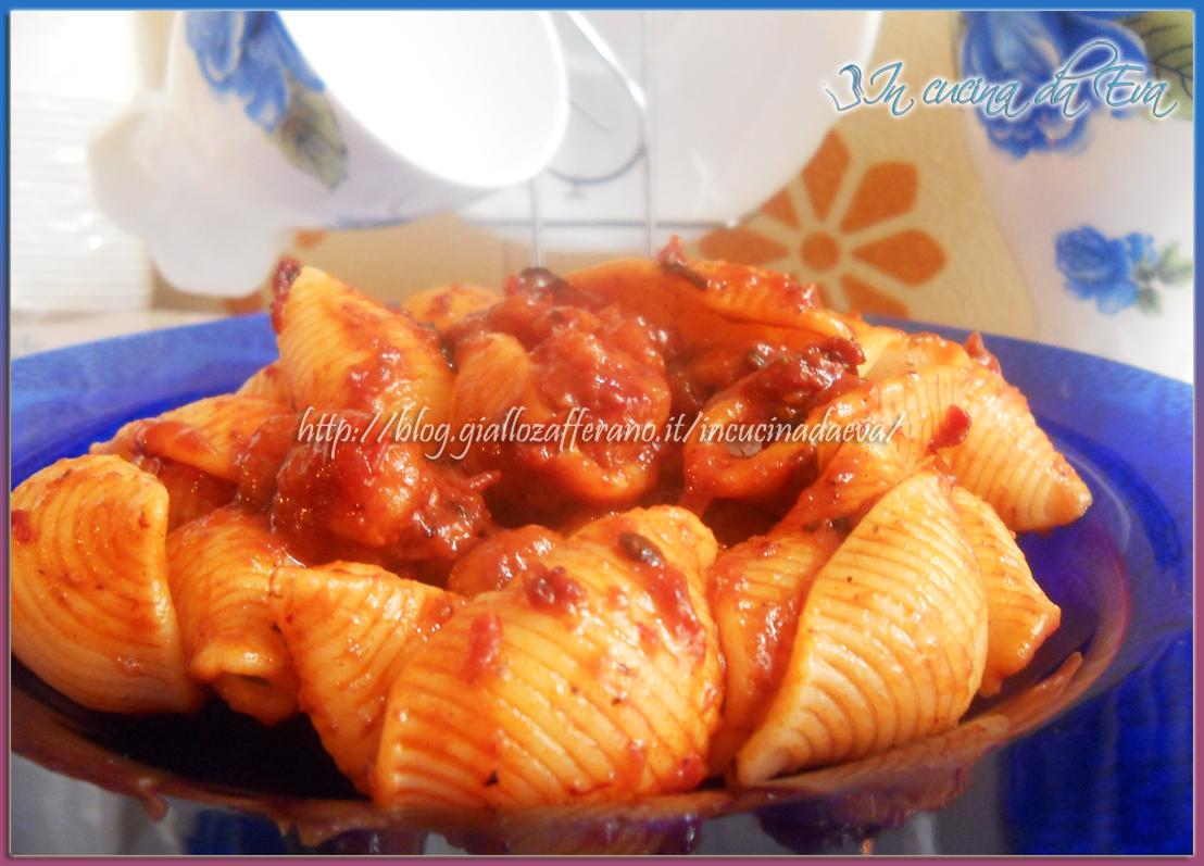 Conchiglie scampi al sugo di peperone dolce