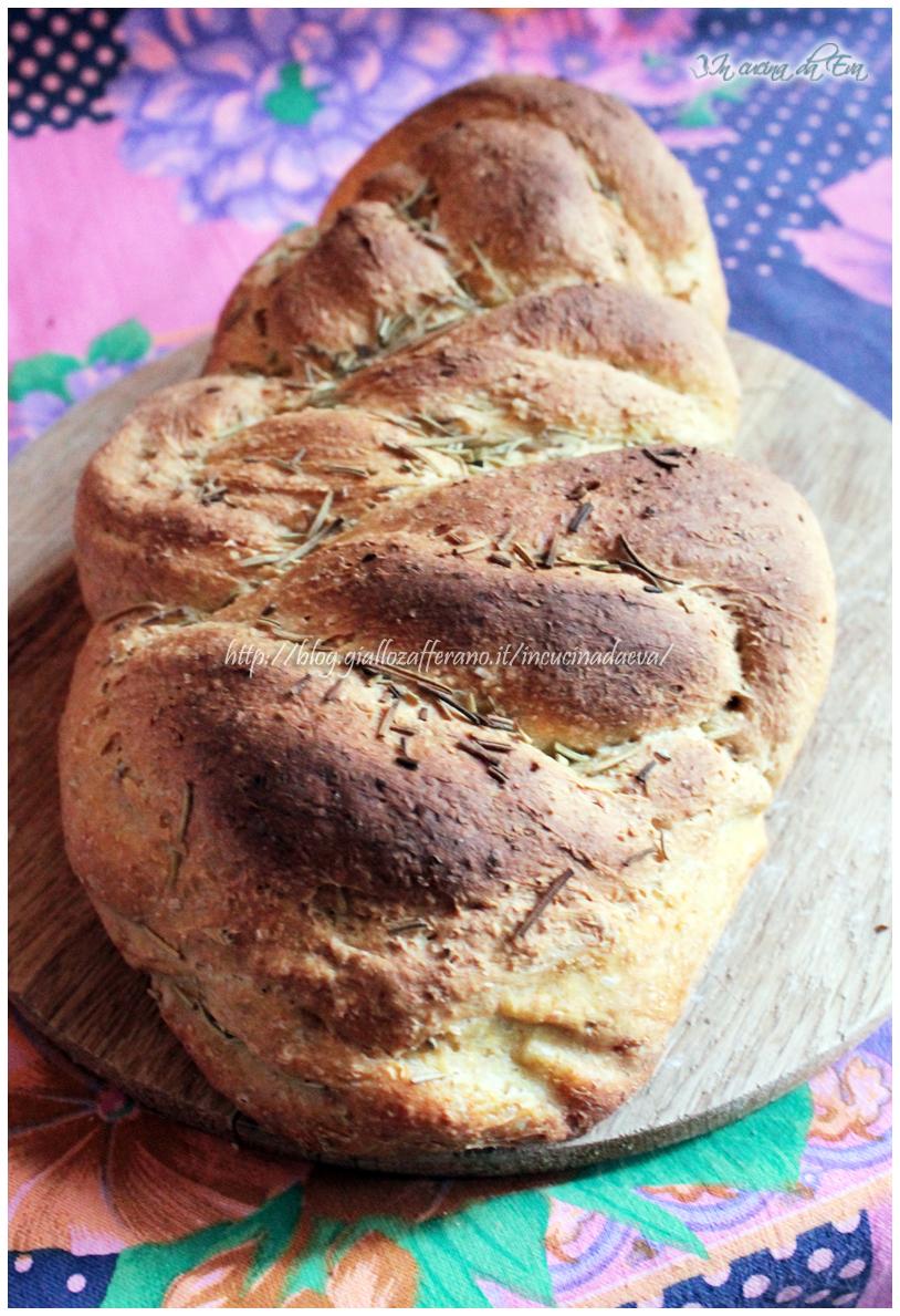 Pane integrale al rosmarino e curry