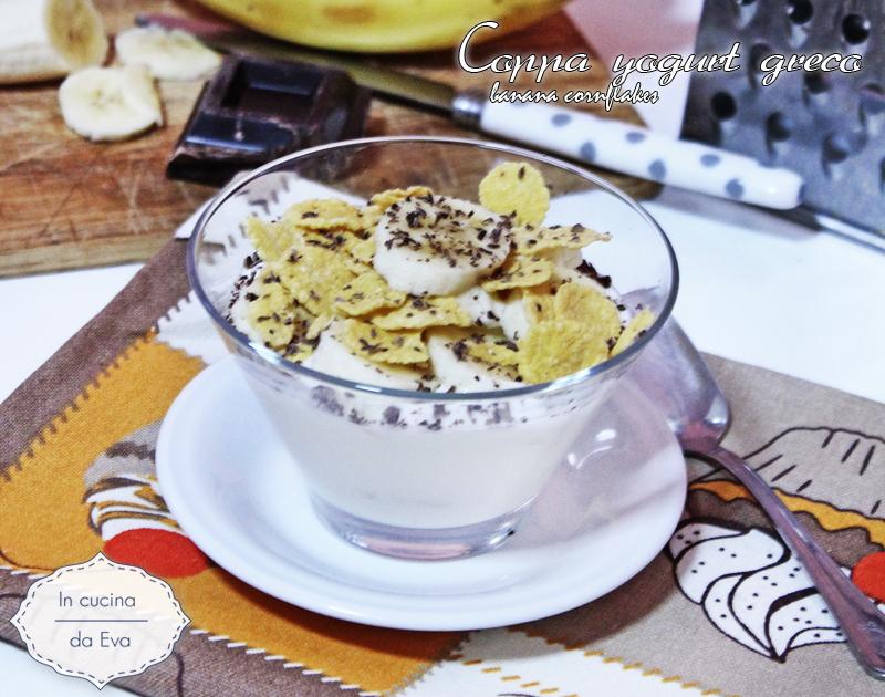 Coppa yogurt greco banana cornflakes