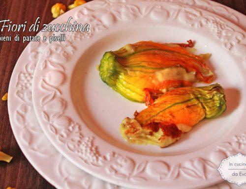 Fiori di zucchina ripieni di patate e piselli
