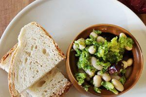 Broccoli cannellini peperoni secchi