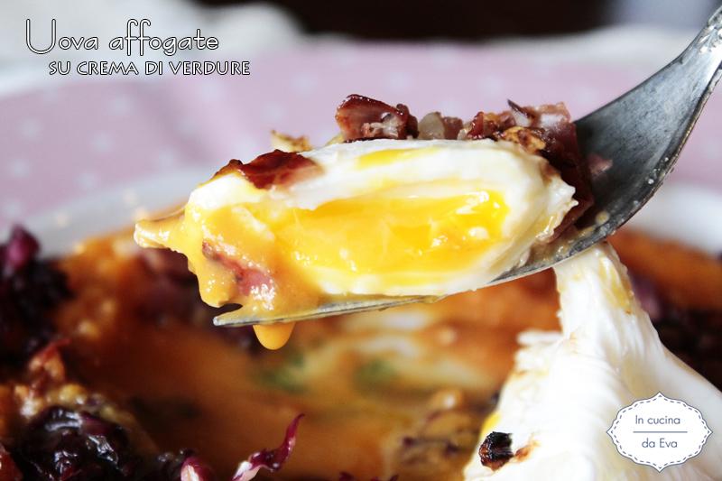 Uova affogate su crema di verdure