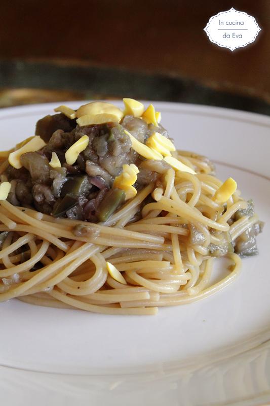 Nidi di spaghetti vegetariani
