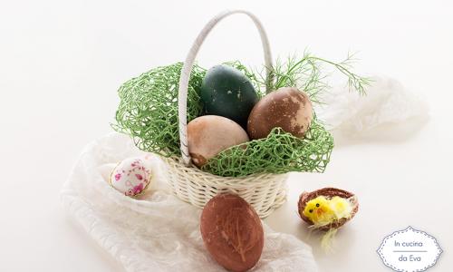 Uova di Pasqua colorate naturalmente