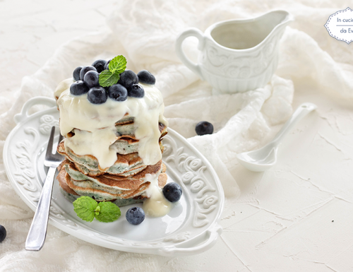 Pancake mirtilli e yogurt di soia