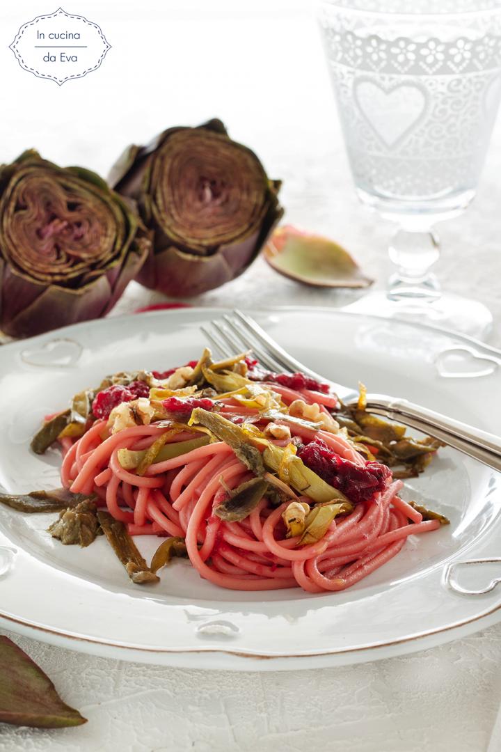 Spaghetti con rapa rossa e carciofi