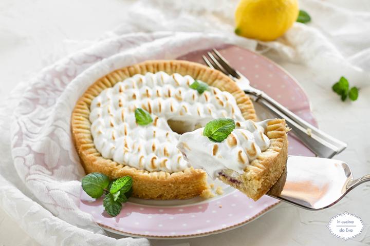 Crostata-meringa-crema-ed-amarene