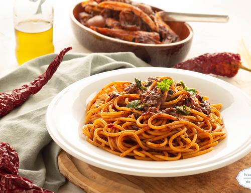 Spaghetti alla marinara con peperoni secchi
