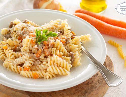 Pasta con macinato e carote