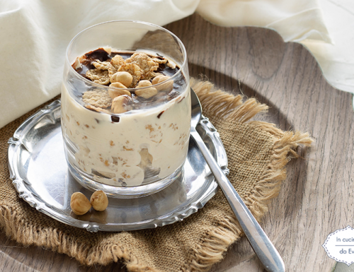Yogurt greco e cereali integrali