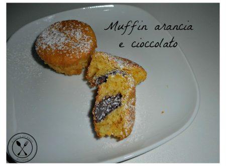 Muffin, arancia e cioccolato