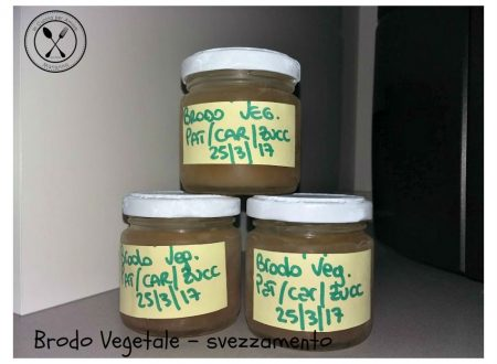 Brodo vegetale per lo svezzamento