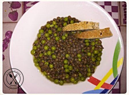 Zuppa di lenticchie e piselli