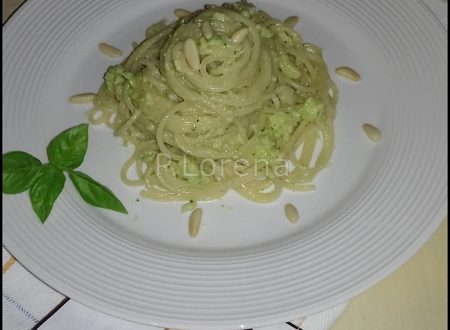 Spaghetti al pesto di zucchine e ricotta