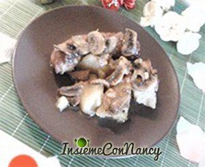 Salsicce con funghi e patate