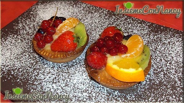 Crostatine con crema al limone e frutta