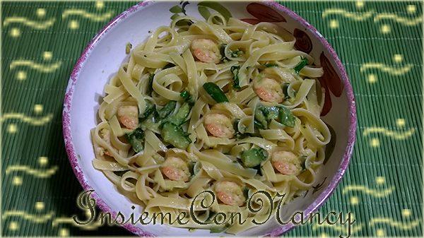 Fettuccine con Zucchine e Gamberetti