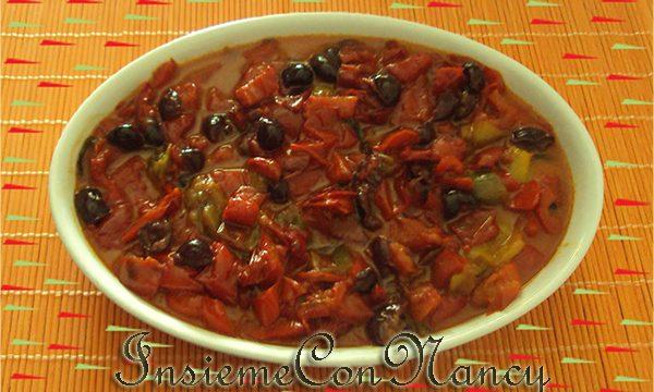 Peperoni in padella con le olive nere