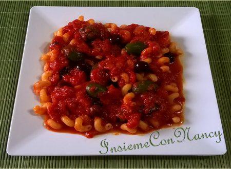 Riccioli al Pomodoro con Olive
