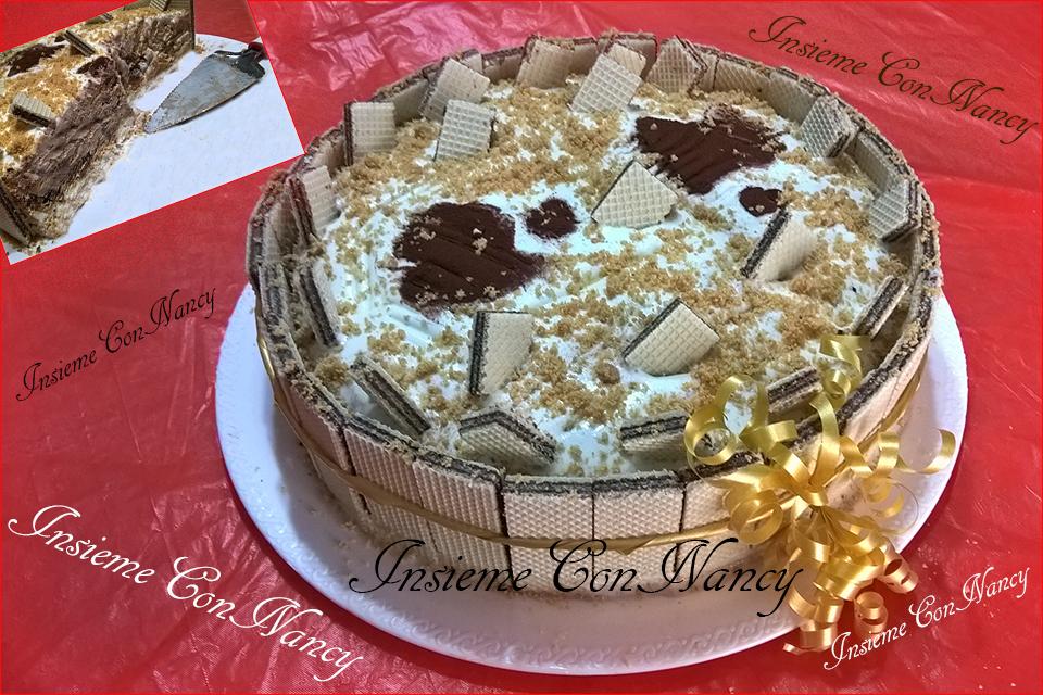 Torta al gelato gianduia e rivestita con wafer a cioccolato