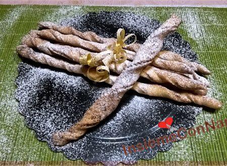 Grissini dolci preparati con Pasta frolla