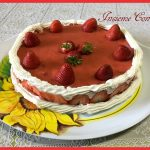 Cheesecake con fragole e panna