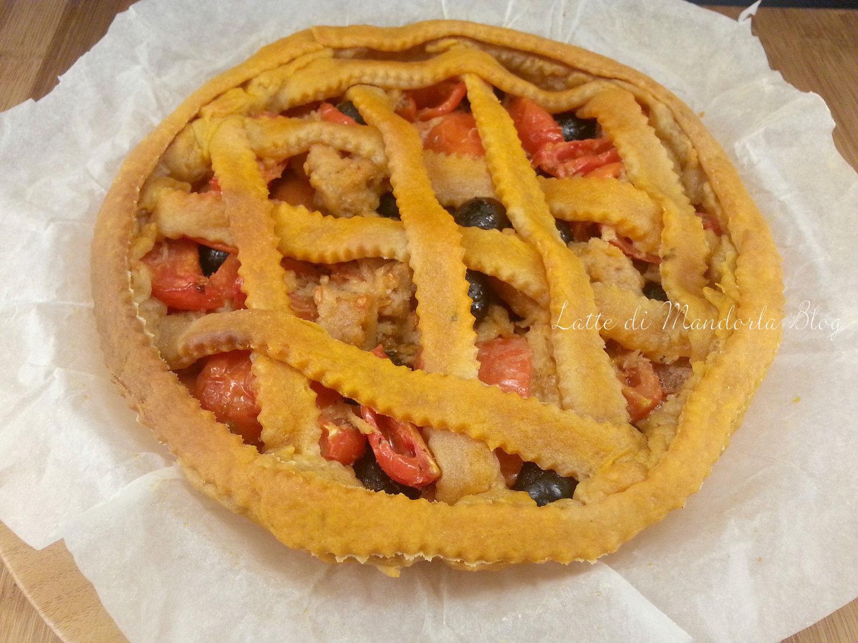 Crostata brisee con pomodorini e tonno