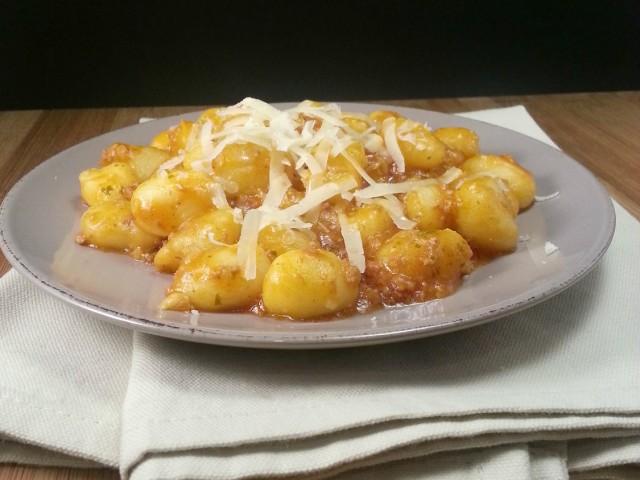 Gnocchi di zucca e patate con sugo di salsiccia